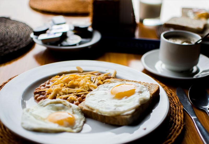 Śniadanie w Pałacu Warlity